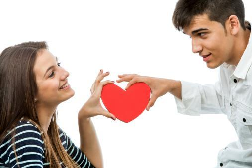 How old should a teenager start dating