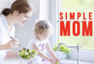 simple mom parenting style mom baby girl sink food