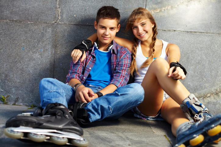 When can a teenager start dating