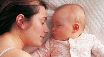 Science explains how co-sleeping protects against SIDS