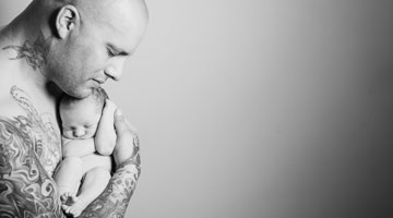 How to deal with male postpartum depression